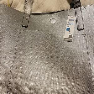 Tote bag non- lether material